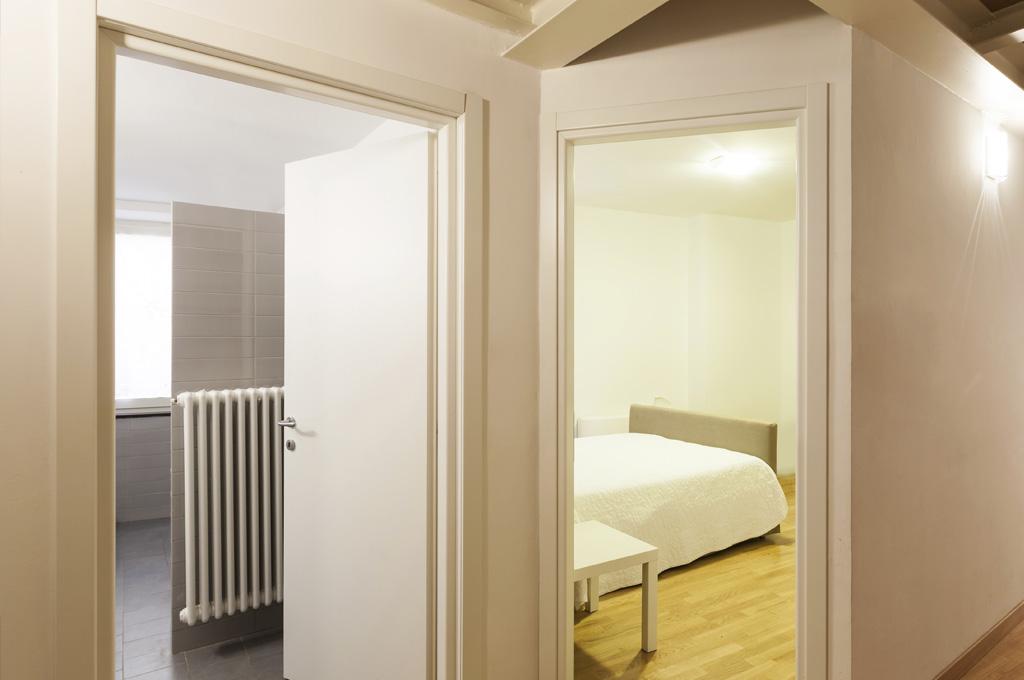 huet finitions portes planes. Black Bedroom Furniture Sets. Home Design Ideas