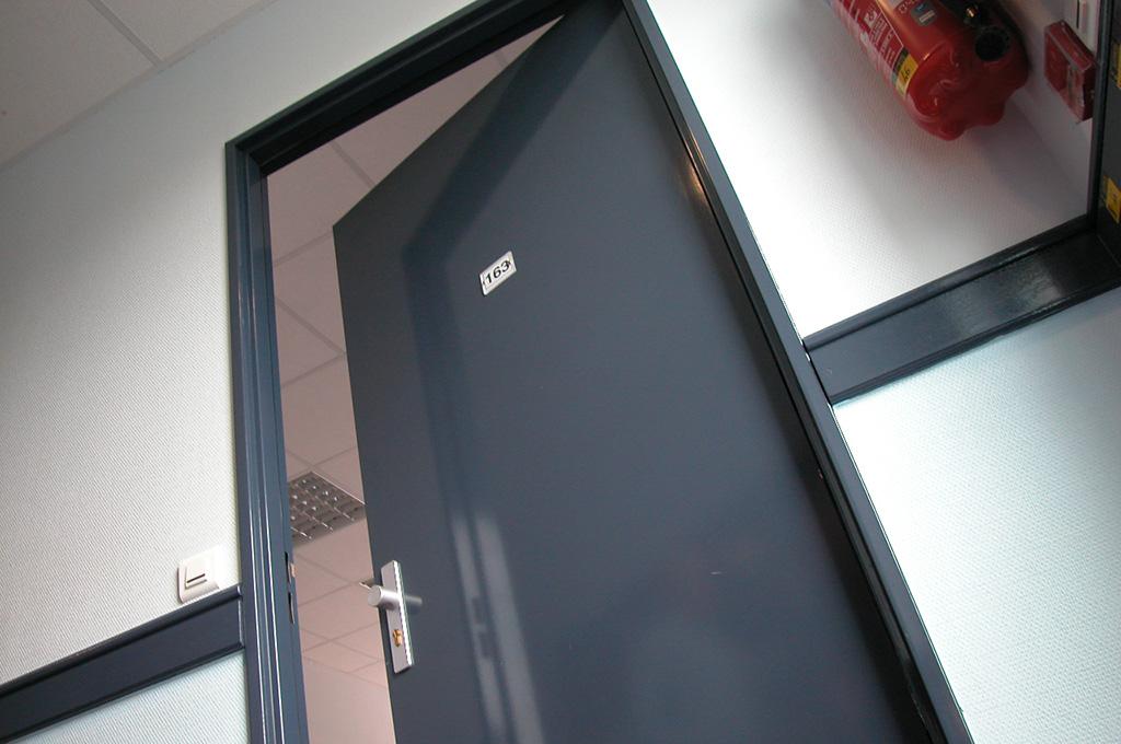 huet bp pyroporte ei30. Black Bedroom Furniture Sets. Home Design Ideas
