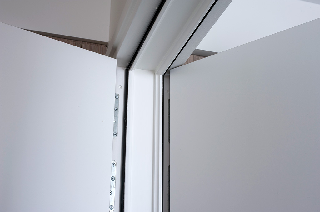 isolation phonique porte interieure